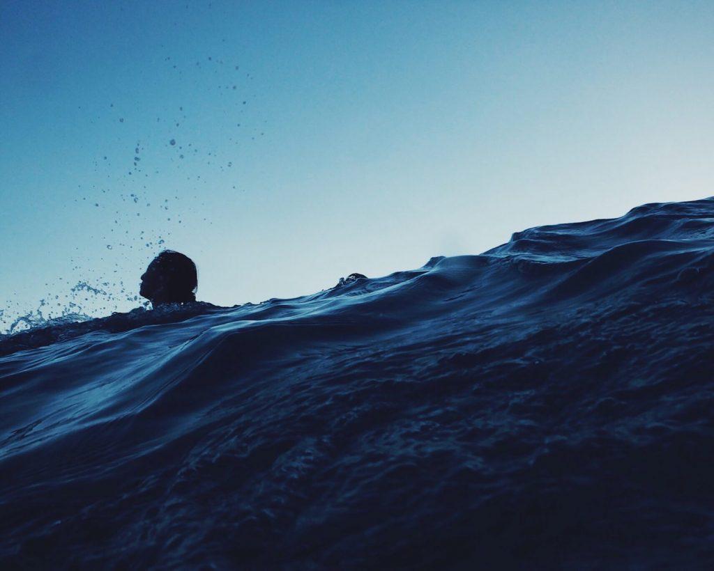 Dopiero co wypłynąłem, teraz trzeba do brzegu dopłynąć
